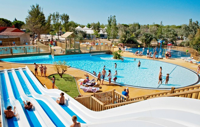 Camping la c te des rose narbonne odalys for Camping veules les roses avec piscine