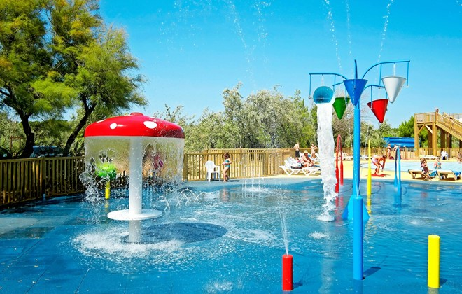 Camping la c te des rose narbonne odalys for Cash piscine narbonne telephone