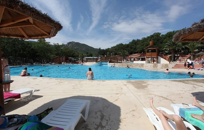 Camping argeles gazost avec piscine camping argeles sur for Camping le crotoy avec piscine