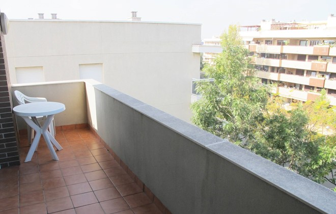 Espagne - Salou - Residence Mediterraneo : Terrace of an apartment