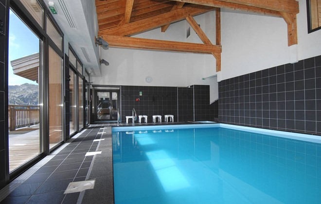 Flaine - Residence Les Portes du Grand Massif : Indoor swimming pool