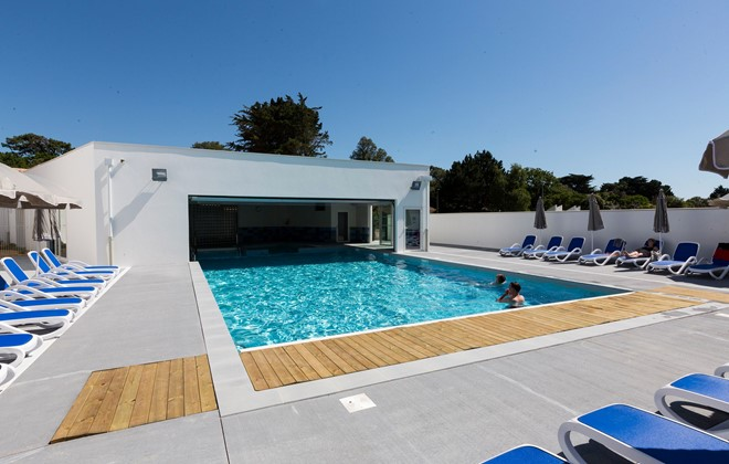 R sidence prestige odalys le domaine des pins for Residence piscine couverte