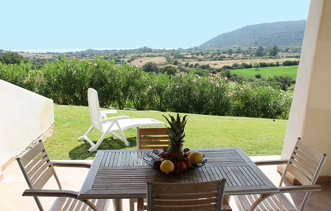 Italy - Tanauvella - Residence Bouganvillage Le Vele : Terrace accommodation