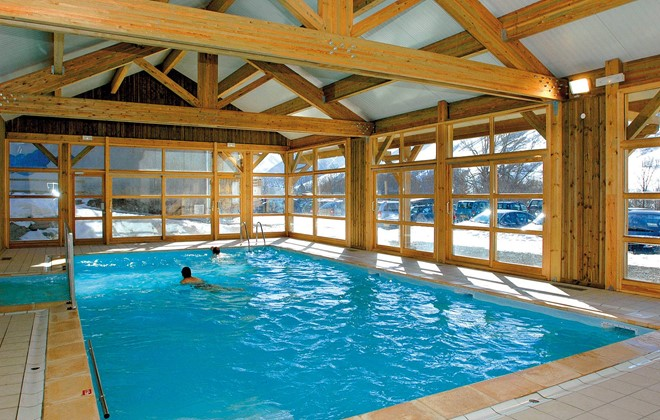 R sidence les chalets de l 39 arvan i saint sorlin d 39 arves for Piscine spa annecy