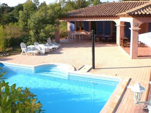 Villa AC Villa Avec Piscine Pour Personnes Au Thoronet - Location villa dans le var avec piscine