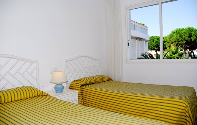 Spain - Playa de Pals - Residence Green Mar : Inside of an apartment