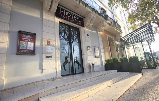 Holiday Rentals In Nimes Odalys Apart Hotel Le Cheval Blanc
