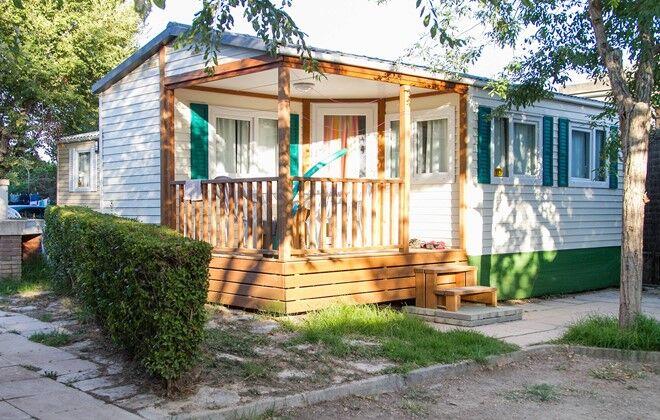 location camping castell montgri i estartit odalys. Black Bedroom Furniture Sets. Home Design Ideas