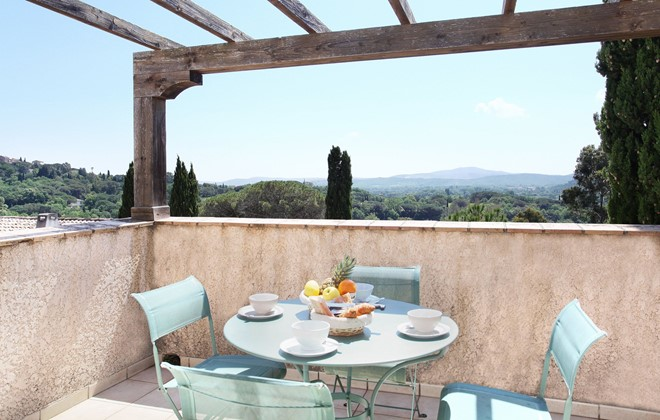 Grimaud - Odalys Residence Les Bastides de Grimaud : Terrace accommodation