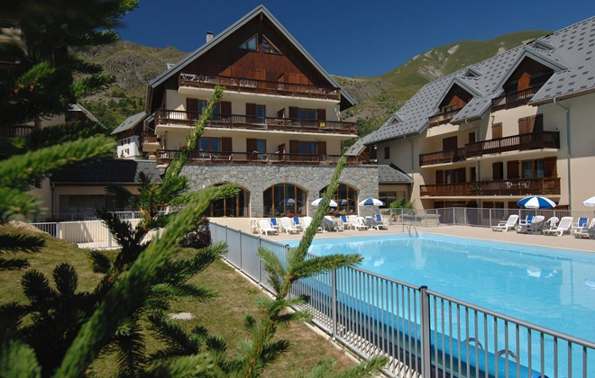 Saint Sorlin d'Arves - Odalys Residence Les Sybelles : Outdoor swimmig pool