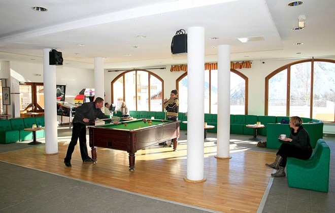 Saint Sorlin d'Arves - Odalys Residence Les Sybelles : Lounge with billiard table