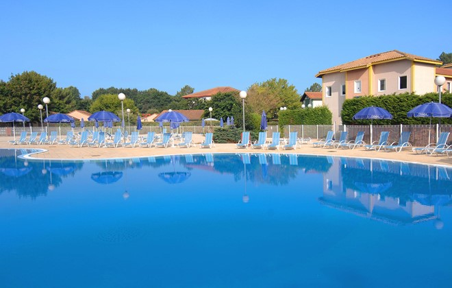 Soustons Plage - Odalys Club Residence Les Villas du Lac : Outdoor swimming pool