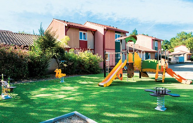 Soustons Plage - Odalys Club Residence Les Villas du Lac : Children's playground