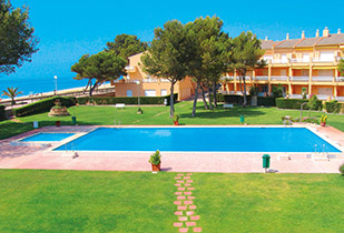 holiday rentals spain montroig playa