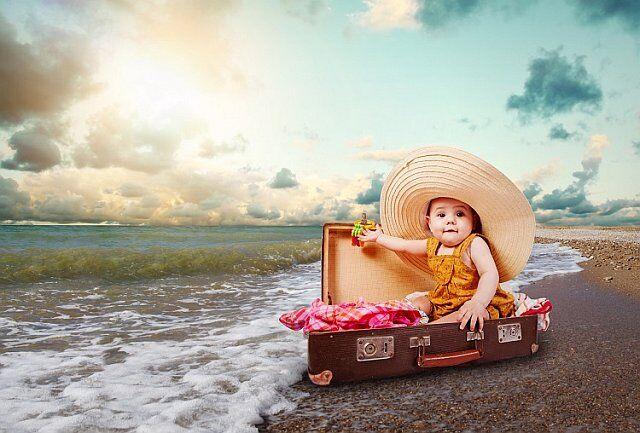 bébé valise vacances