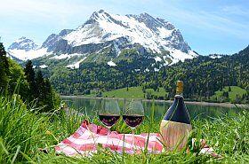 plateau de fromage et charcuterie, le terroir des Alpes