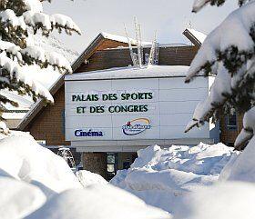 Le palais des sports de l'Alpe d'Huez