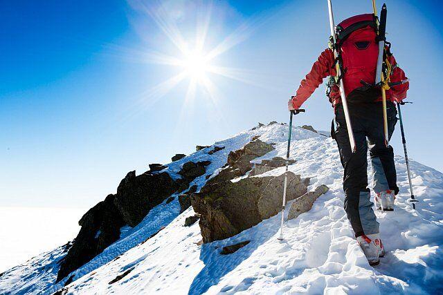 activité neige: randonnée sur glace