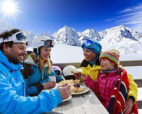 Déjeuner en famille dans le Vercors