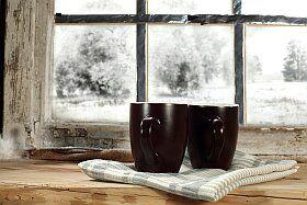 deux cafés chauds à la neige