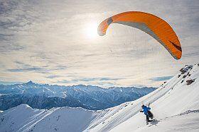activité parapente en hiver à Méribel