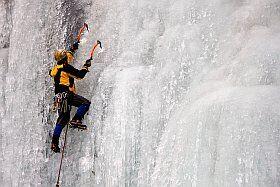 activité escalade glace à Méribel