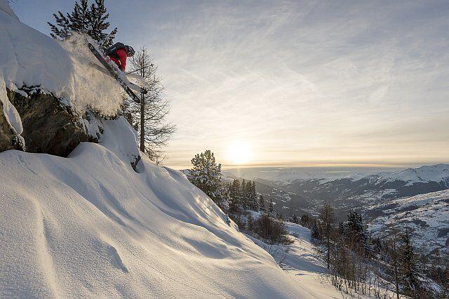 agréable randonnée sous la neige aux arcs