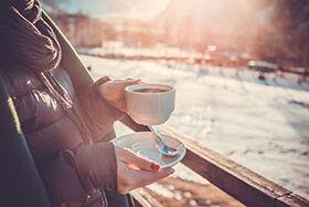 petit-déjeuner en terrasse en hiver