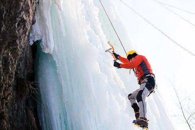 montée sur une cascade de glace vers Tignes