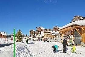 Sports d'hiver à la montagne