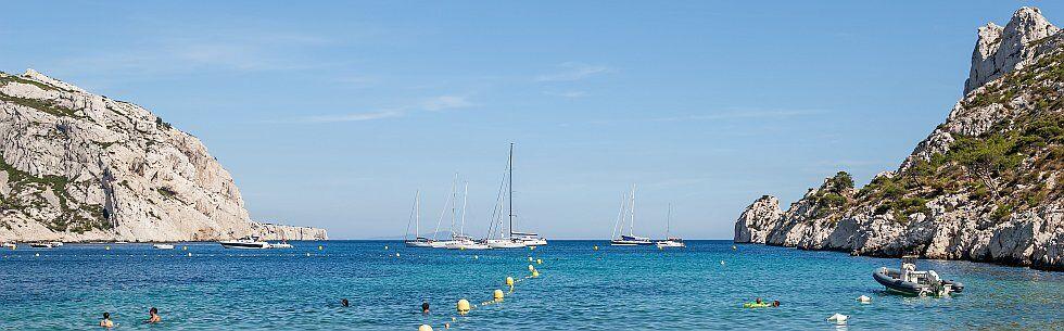 partez en camping en Méditerranée aux calanques Sormiou