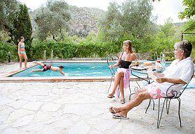 Vie de famille en villa pendant les vacances