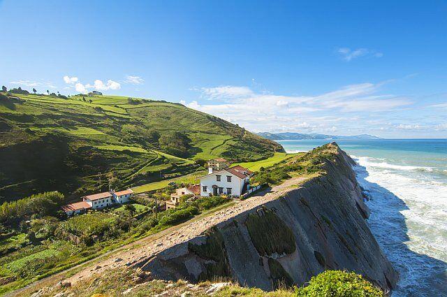 Falaise de Flysch au Pays Basque