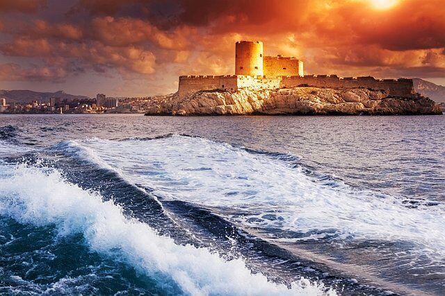 Le château d'If à Marseille au coucher de soleil