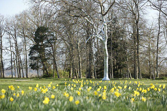 Antti Laitinen, L'arbre chevalier, installation pour le Domaine de Chaumont-sur-Loire, 2015