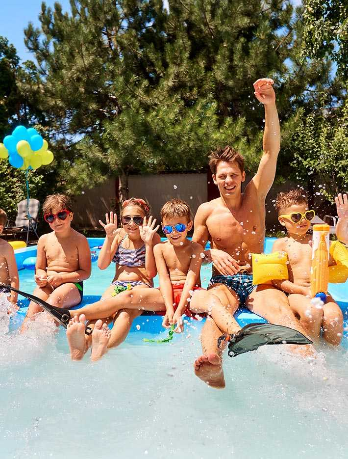 holiday rentals with kids clubs & entertainment