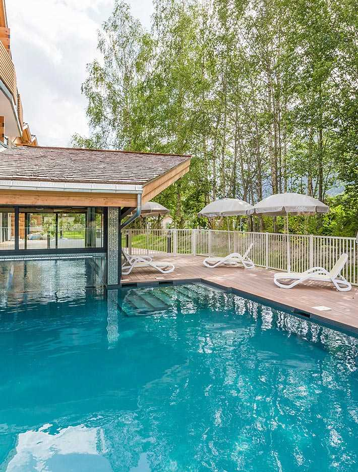 holiday rentals with pool